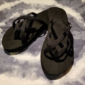 Teva Olowahu Black Sandals